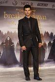 BERLIN, GERMANY - NOV 16: TAYLOR LAUTNER at The Twilight Saga: Breaking Dawn - Part 2 - premiere in Berlin, Germany on November 16, 2012