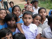 Niños curiosos Indian School