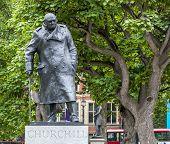 London Churchill Statue