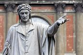 Постер, плакат: Statue Of Dante Alighieri In Naples Italy