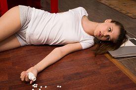 pic of overdose  - Crime scene simulation - JPG