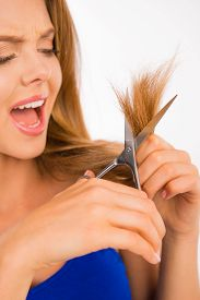 picture of split ends  - Woman cut her hair - JPG