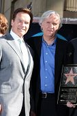 LOS ANGELES - DEC 18:  Arnold Schwarzenegger, James Cameron at the Hollywood Walk of Fame Ceremony f