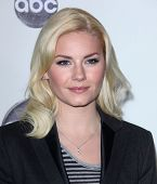 LOS ANGELES - Today: Elisha Cuthbert kommt Winter Press Tour 2011-ABC am Januar 10,2011 in