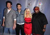 LOS ANGELES - MAR 15:  Blake Shelton, Adam Levine, Christina Aguilera & Cee Lo Green arrives to the Press Junket for