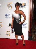 LOS ANGELES - 19 de MAR: Leona Lewis llega a los 25 premios Génesis en 19 de marzo de 2011 en Ce