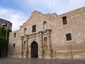 picture of revolutionary war  - The historic Alamo mission in San Antonio Texas famous battleground of the Texas Revolutionary War - JPG
