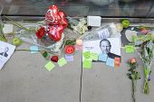 CHICAGO - OCTOBER 6: notes to Steve Jobs on the footpath near Apple store, October 6, 2011 Chicago,