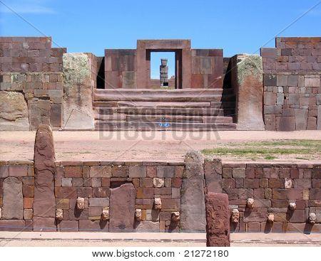 Постер, плакат: Тиванаку руины Каласасайя и Нижняя храмы, холст на подрамнике
