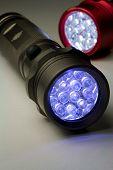 Zwei LED-Taschenlampen - eingeschaltet