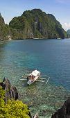 barco y la isla