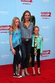 LOS ANGELES - SEP 21:  Melora Hardin, with daughters Rory and Piper at the