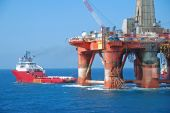 image of rig  - Green AHTS  - JPG