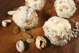 picture of laddu  - Coconut laddu is made from grated coconut - JPG