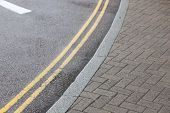 Double yellow line on street