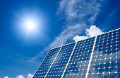 Panel solar y el sol