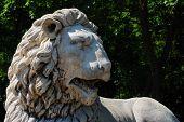 lion statue left