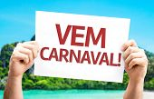 Carnival is Coming (in Portuguese) card with a beach on background