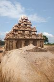 picture of tamil  - Shore temple Mahabalipuram  - JPG