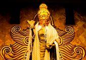 Guanyin, pé de imagem do bodhisattva num templo