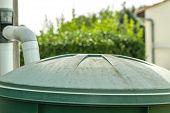 Recuperador a água da chuva verde