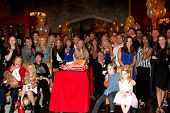 LOS ANGELES - MAR 25:  Young and Restless Cast at the Young and Restless 41st Anniversary Cake at CB