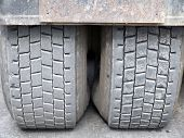 Dusty_Tyres