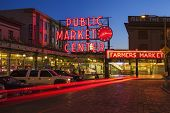 Pike Place Market in der Nacht