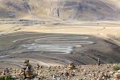 picture of sherpa  - Highway at the Pangla pass near Lhasa - JPG