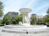 Washington Fountain On Dupont Circle 2010