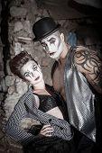 Dramatic Cirque Couple