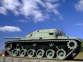 Tanque militar - vista lateral
