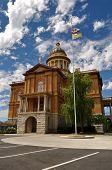 Castaño Courthouse