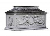 Angelic Wreath Tomb