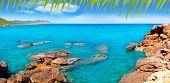 Playa de Marti Pou des Lleo de d ' en Canal de Ibiza en Baleares Mediterráneo [Foto-illustrat
