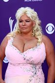 LAS VEGAS - MAR 7:  Beth Chapman arrives at the 2013 Academy of Country Music Awards at the MGM Grand Garden Arena on March 7, 2013 in Las Vegas, NV