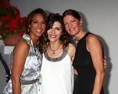 LOS ANGELES - APR 4:  Eva La Rue, Finola Hughes, Michelle Stafford attends the gala fundraiser for the romantic comedy,