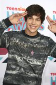 LOS ANGELES - NOV 17: Austin Mahone at the 5th Annual TeenNick HALO Awards at the Hollywood Palladiu