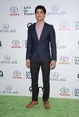 LOS ANGELES - OCT 19:  Darren Criss arrives to