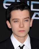 LOS ANGELES - OCT 28:  Asa Butterfield arrives to