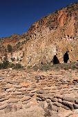 foto of pueblo  - Tsuonyi Pueblo Ruins, Bandelier National Monument, New Mexico
