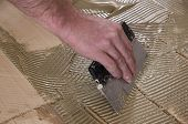 Application parquet adhesives.