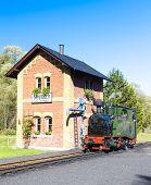 picture of locomotive  - steam locomotive - JPG