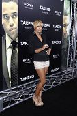 LOS ANGELES - AUG 4: Keri Hilson at the World Premiere of Takers, held at the Arclight Cinerama Dome