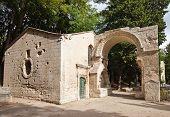 Chapel Saint-accurse (xvi C.).  Arles, France