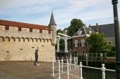 Canal and gatehouse, Zierikzee