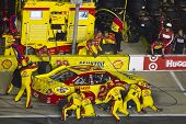 HAMPTON, GA - SEP 05:  Kevin Harvick brings his Shell Chevrolet in for servcie during the Emory Heal