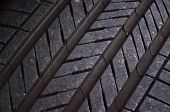 Tire tread pattern