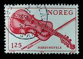 Noruega - por volta de 1978: Um selo impresso em shows de Noruega, Austratt, Austrattborgen manor Orland, cerca de 1