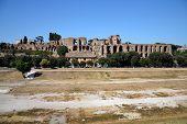 Circus Maximus - ruinas en la colina del Palatino en Roma.